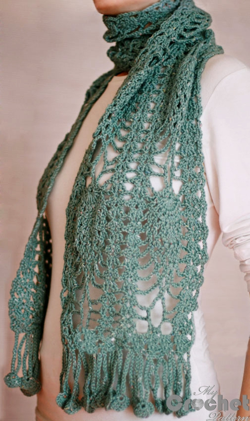 crochet scarf with pineapples