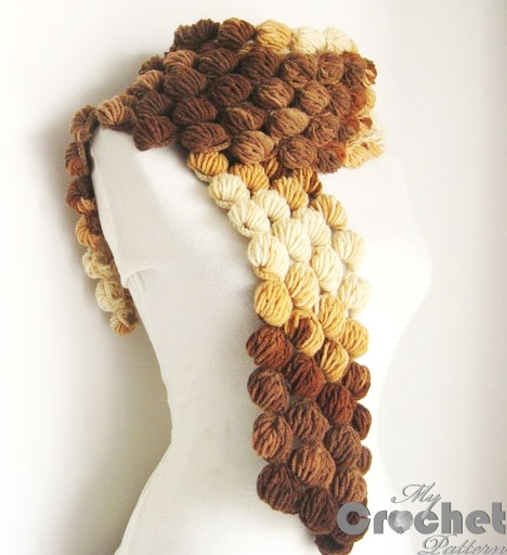 crocheted scarf of lush bars