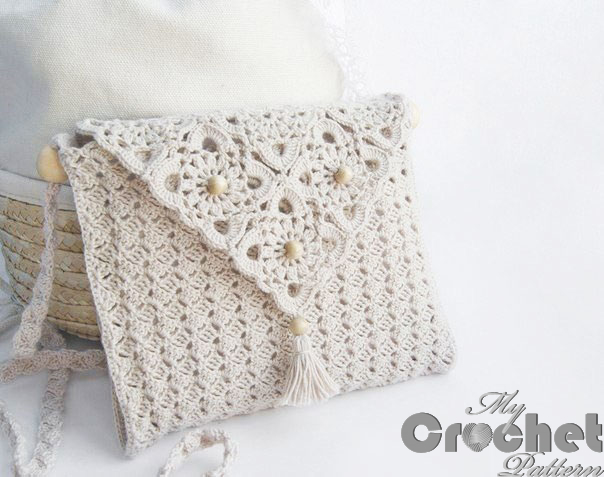 simple crochet purse with delicate motifs photo