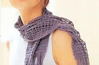 Purple crosswise crochet scarf photo