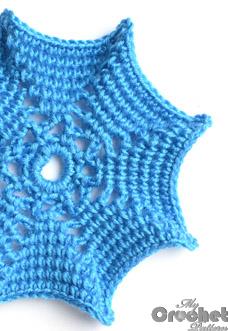 blue spider web crochet pattern