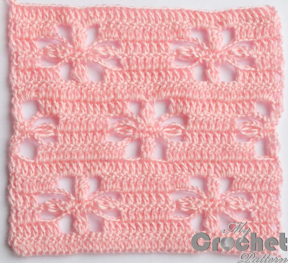 lace crochet pattern with flowers photo