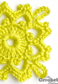 lemon square flower motif