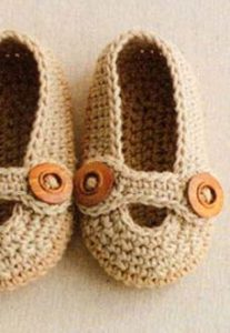 crochet baby boy slippers - preview