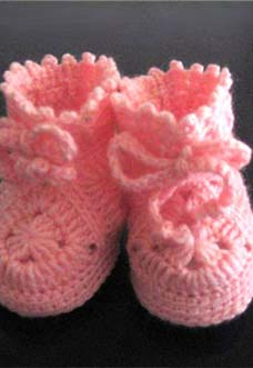 pink baby girl booties crochet pattern - preview