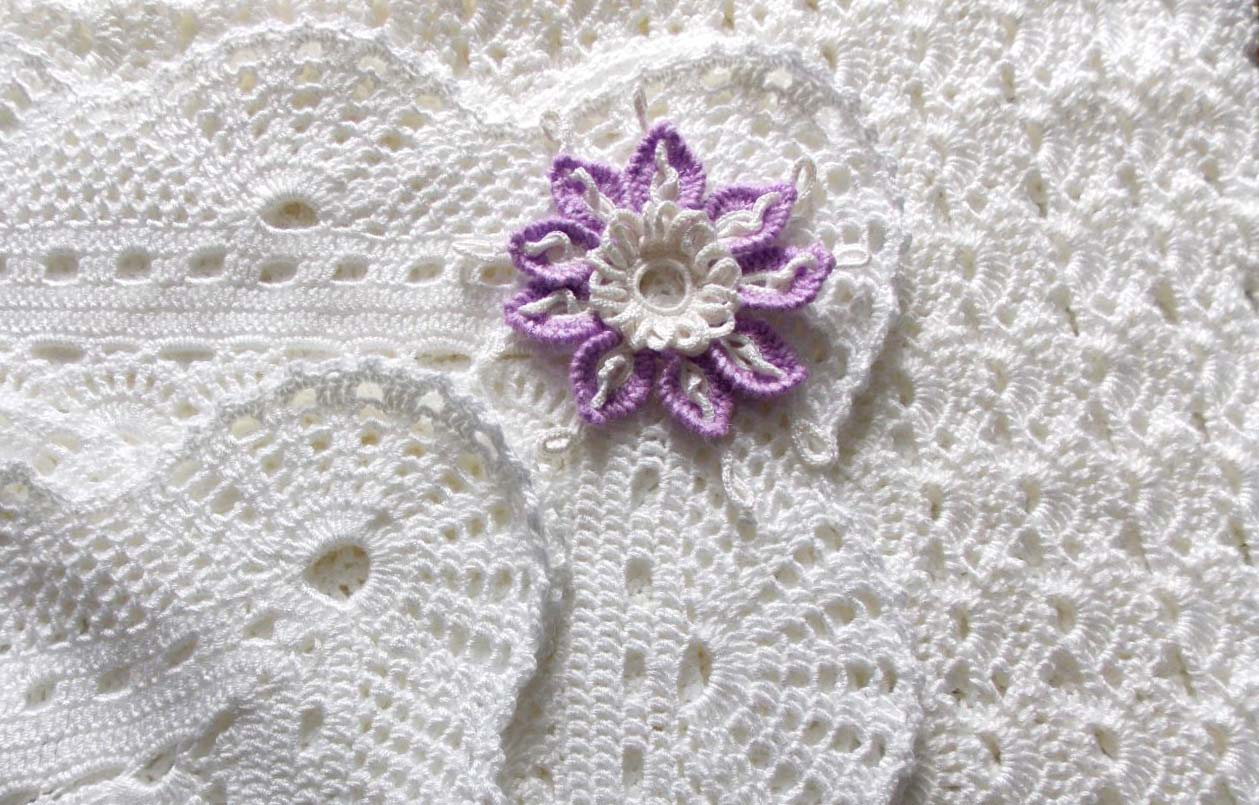 snow white lace crochet blanket for babies - big photo