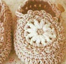 unisex baby booties crochet pattern - preview
