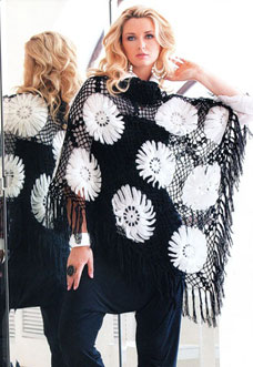 crochet shawl pattern with daisies - preview