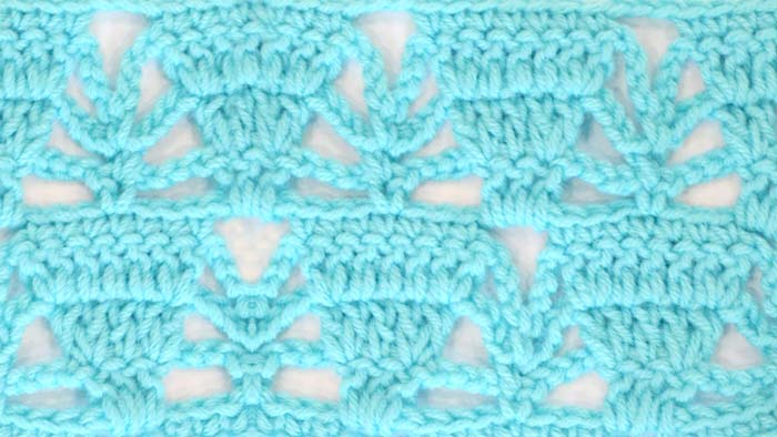 lace crochet pattern with triangles-photo