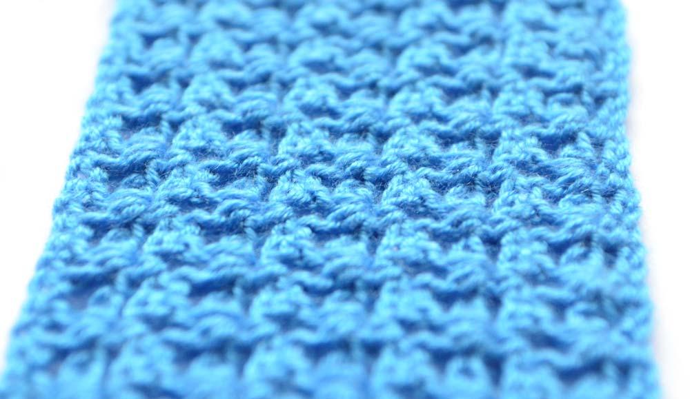 blue V-stitch lace crochet pattern - photo 1