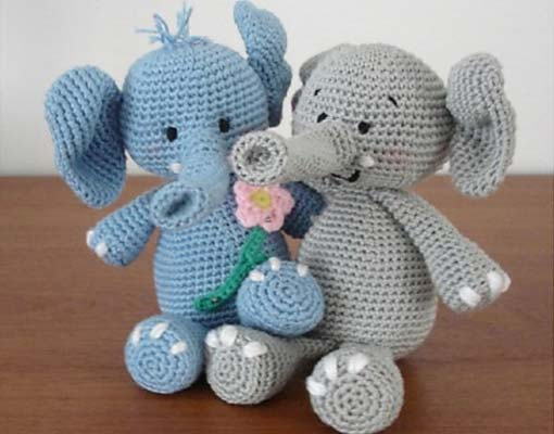 Ella the Elephant and her Boyfriend